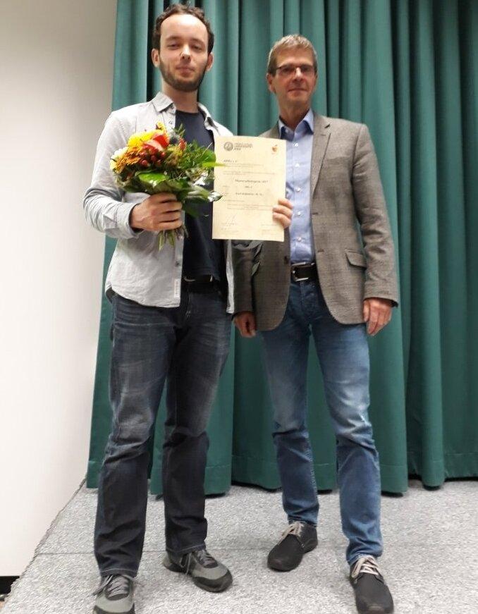 Auszeichnung im Rahmen der Mitgliederversammlung am 09.11.2017 (v.l.n.r.): Karl Köhnlein und Prof. Dr. Michael Glei